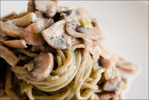 Феттучини с грибами в сливочном соусе