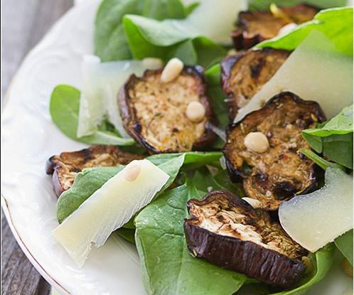 Рецепт салата с маринованными баклажанами