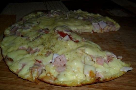 Быстрая пицца на сметанном тесте