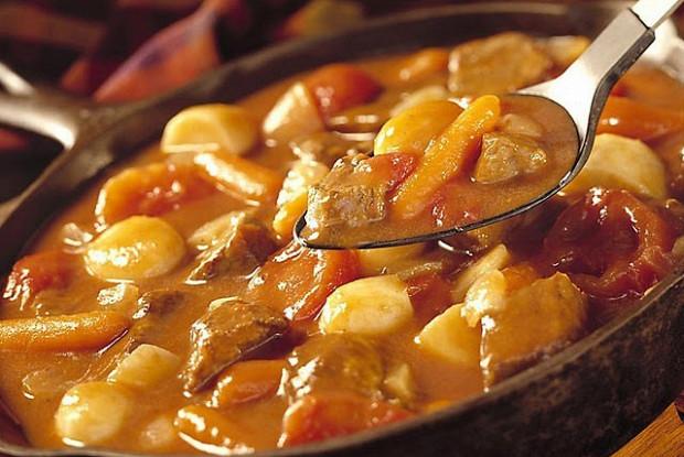 Овощное рагу с куриной печенью