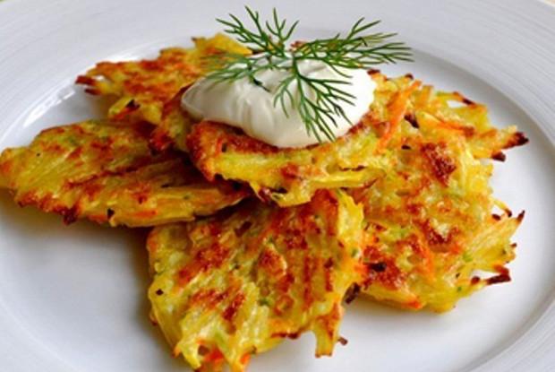 Картофельные оладьи лорики с грибами и яйцом