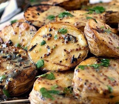 Картофель-гриль с горчичным соусом