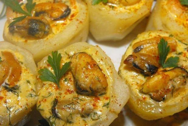 Картофельная закуска с мидиями