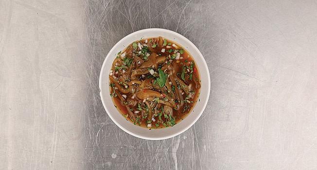 Холодный острый суп с паровыми баклажанами