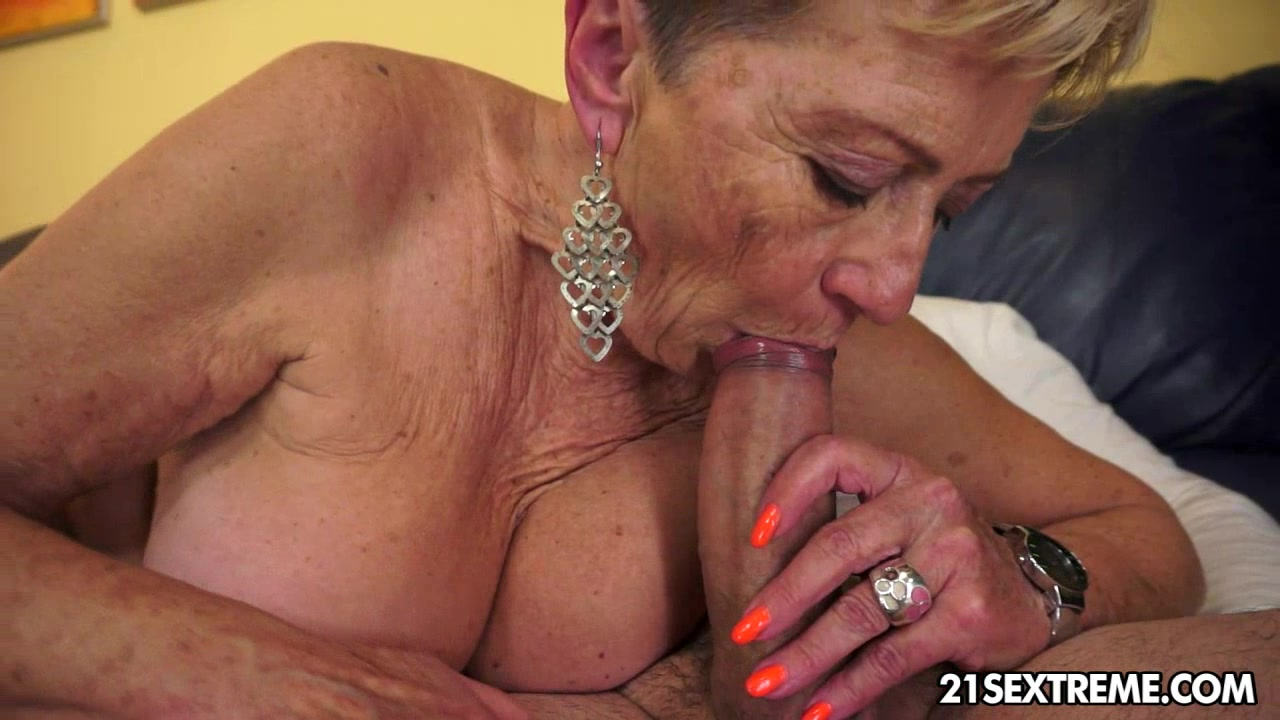 Sexy solo asians fingering
